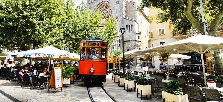 Tram in Soller