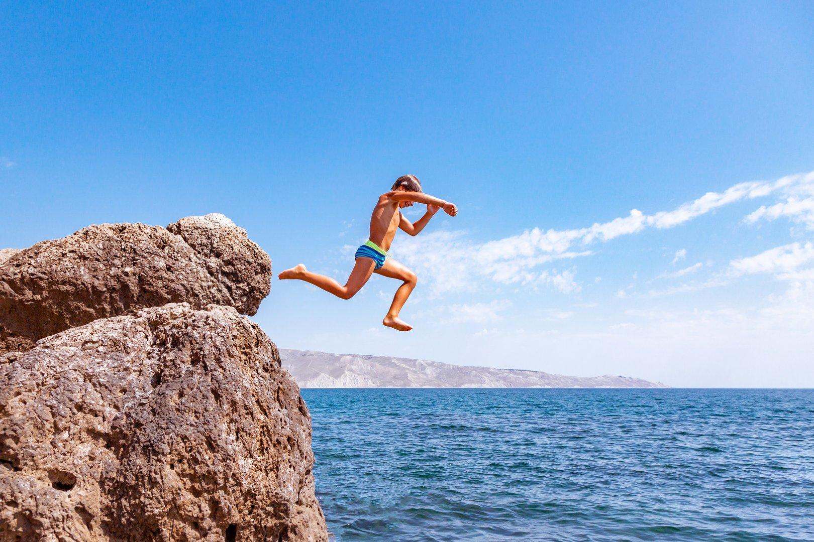 mallorca adventure cliff jumping