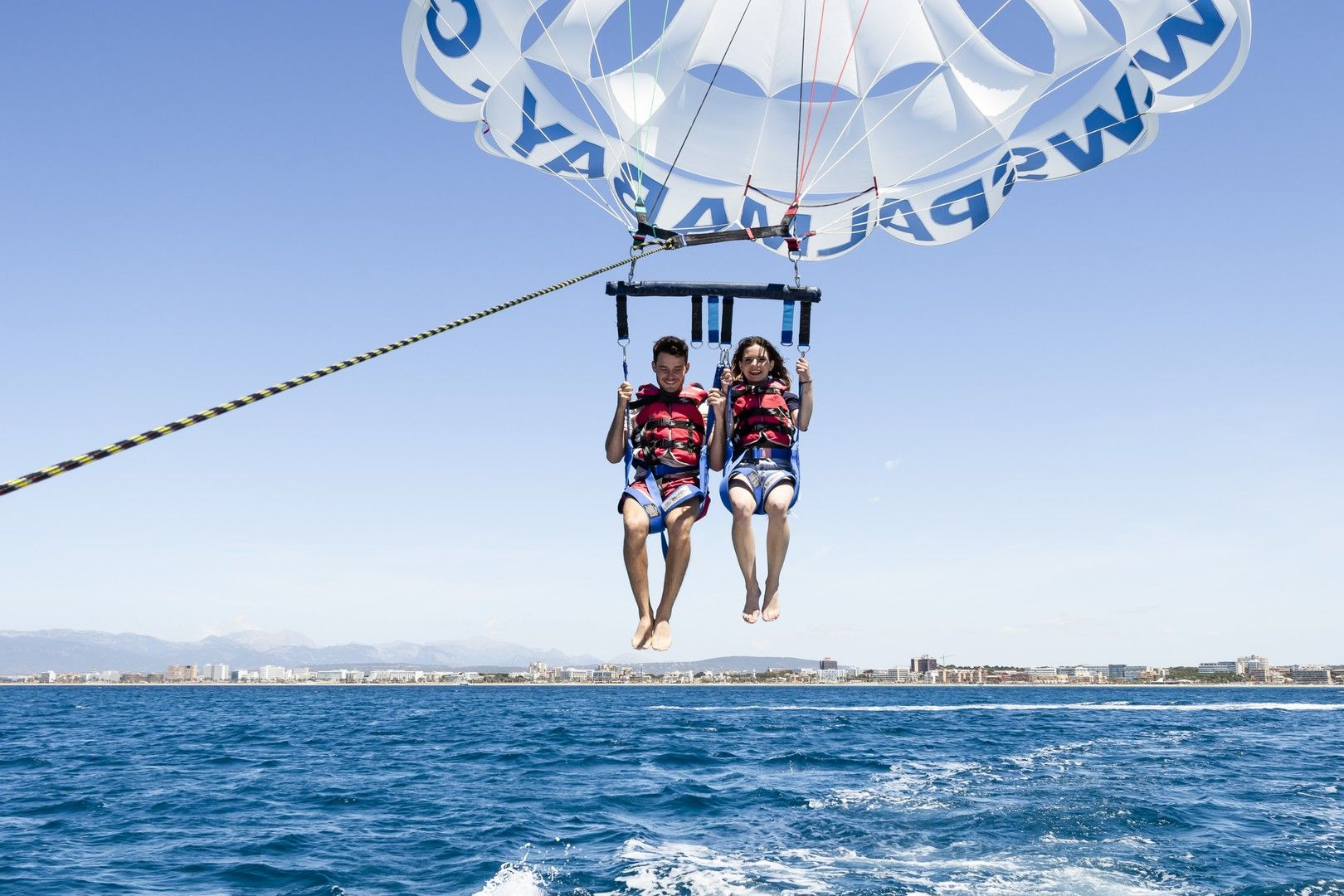 parasailing in playa de palma